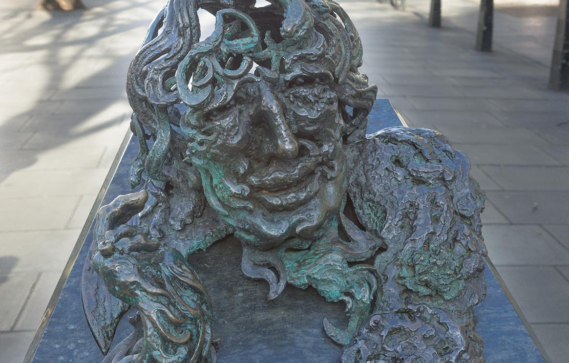 Oscar Wilde blue badge tour