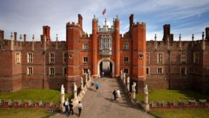 Hampton court palace tour
