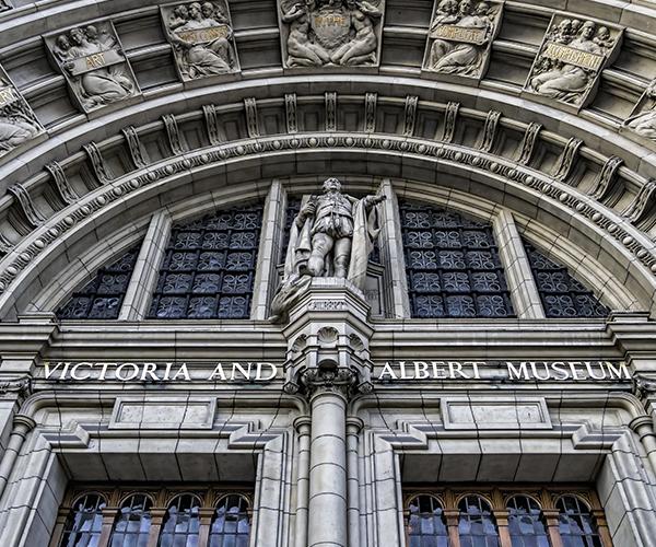 Britains-Best-Guides-Victoria_Albert_Museum_3