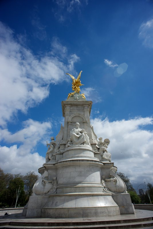 Queen Victoria Memorial outside Buckingham Palace