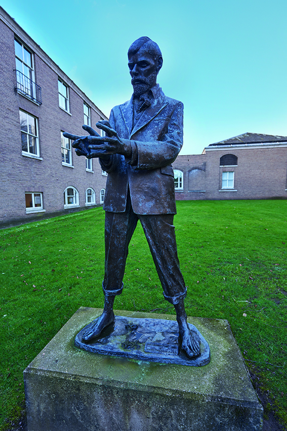 D.H. Lawrence statue at the University of Nottingham
