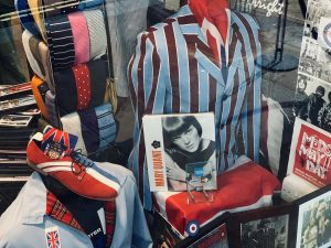Shop window Mary Quant, Mods display