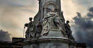 Statue of Queen Victoria, London