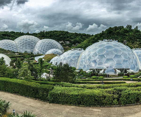 eden project domes cornwall